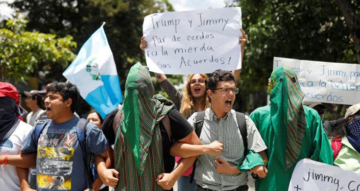 Protestas en Guatemala contra un acuerdo de asilo