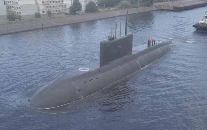 El nuevo submarino diésel-eléctrico ruso hace acto de presencia