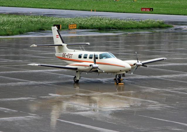 Avioneta Cessna 303 (Archivo)