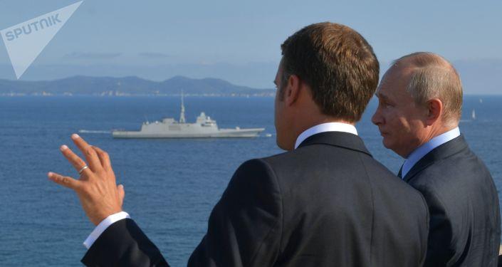 El presidente de Francia, Emmanuel Macron, y el presidente de Rusia, Vladímir Putin