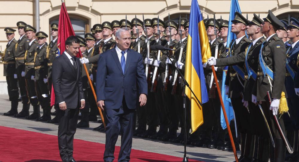 Volodymyr Zelenski, presidente de Ucrania, y Benjamín Netanyahu, primer ministro de Israel, en Kiev, el 19 de agosto de 2019