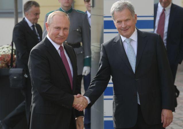 El presidente ruso, Vladímir Putin y su homólogo finlandés, Sauli Niinisto