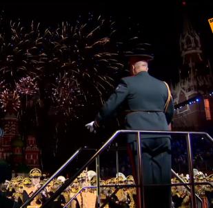 La Plaza Roja se pone de gala para el festival de música militar Torre Spásskaya