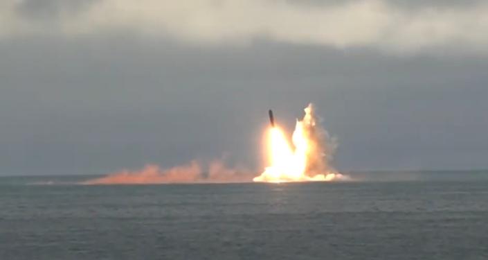 Así Rusia lanza misiles balísticos intercontinentales desde submarinos nucleares (vídeo)