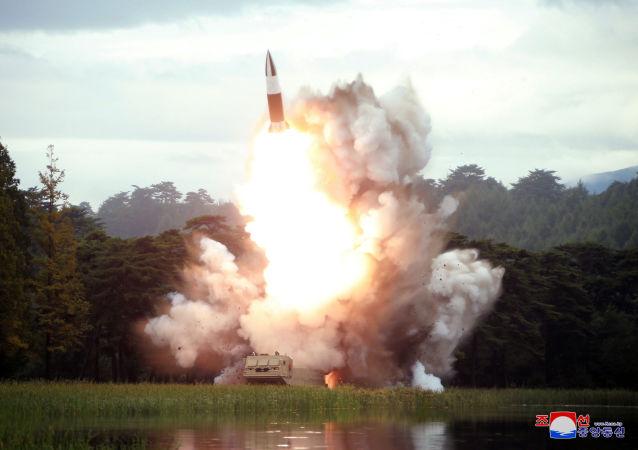 Corea del Norte ensaya un nuevo misil