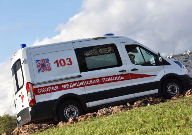Un coche de Ambulancia de Moscú