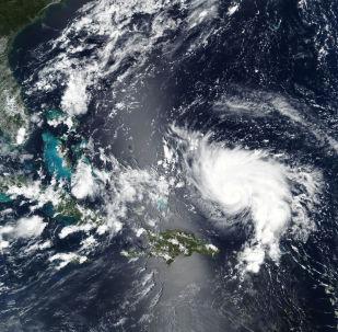 El huracán Dorian se acerca a la costa de Florida