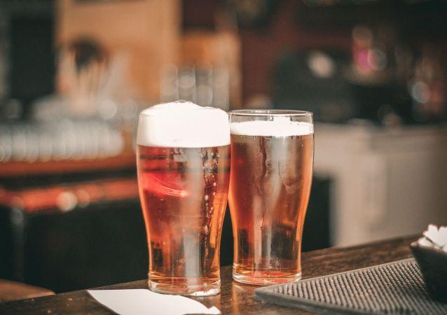 Una barra del bar, ilustrativa