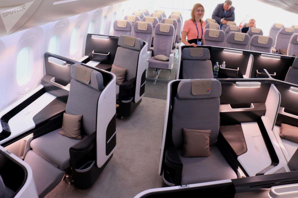 La clase business a bordo del avión ruso-chino CR929