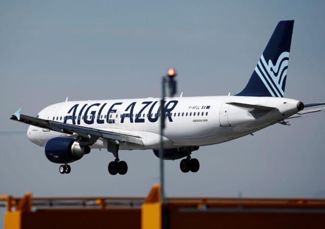Un avión de la aerolínea Aigle Azur