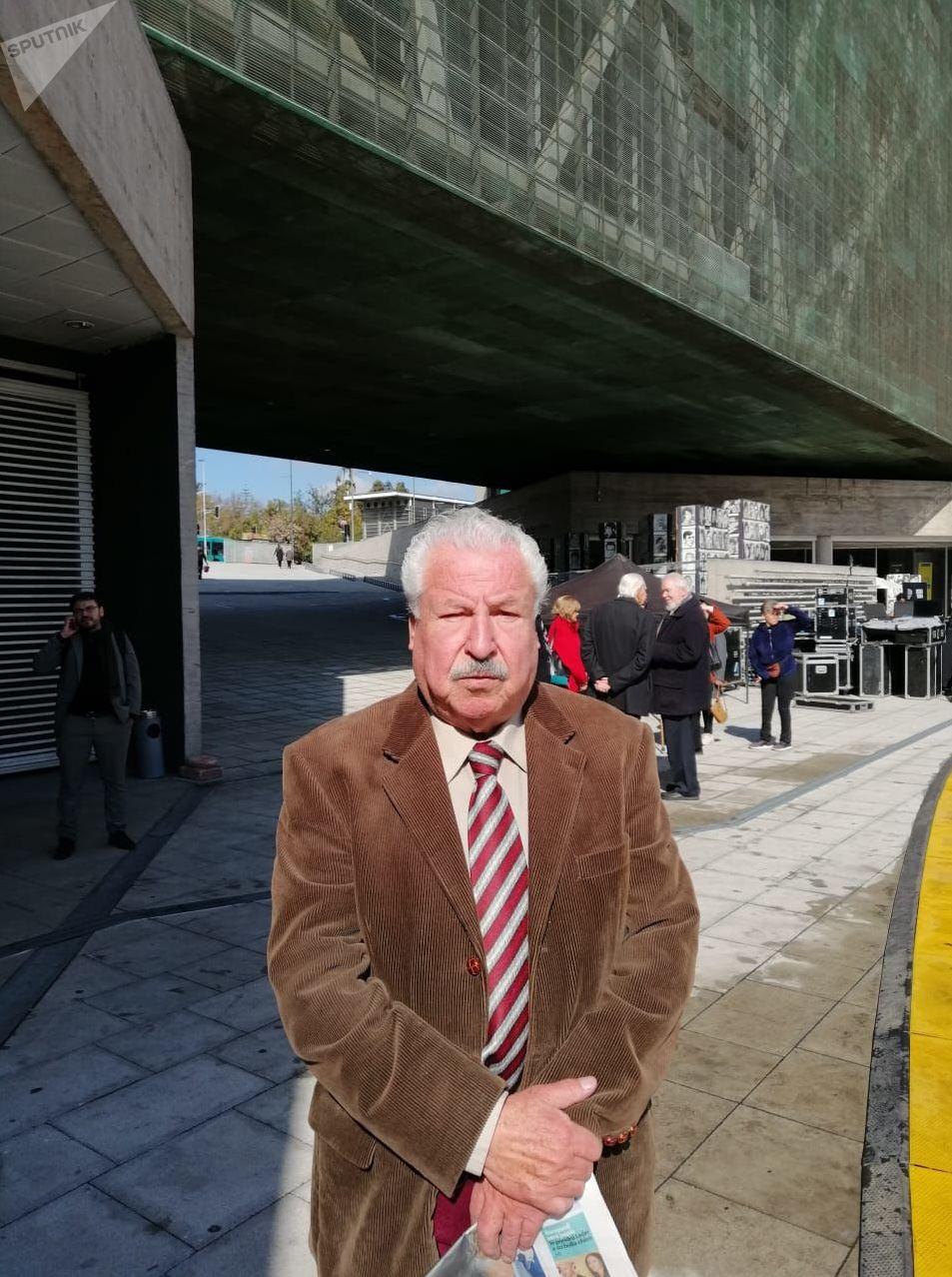 Eduardo Ellis, el comisario retirado, uno de aquellos 17 agentes chilenos que decidieron el 11 de septiembre de 1973 permanecer leales al presidente Salvador Allende
