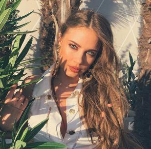 La modelo Xenia Tchoumi