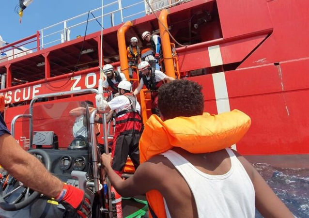 Los migrantes rescatados por el Ocean Viking
