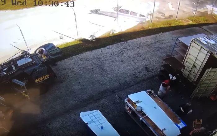 Un hombre esquiva de 'milagro' de una avioneta que se estrelló