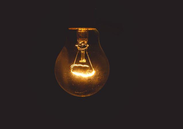Una idea en la oscuridad, referencial