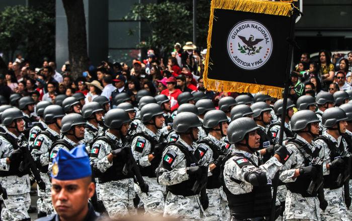 México festeja su independencia con récord de militares en las calles