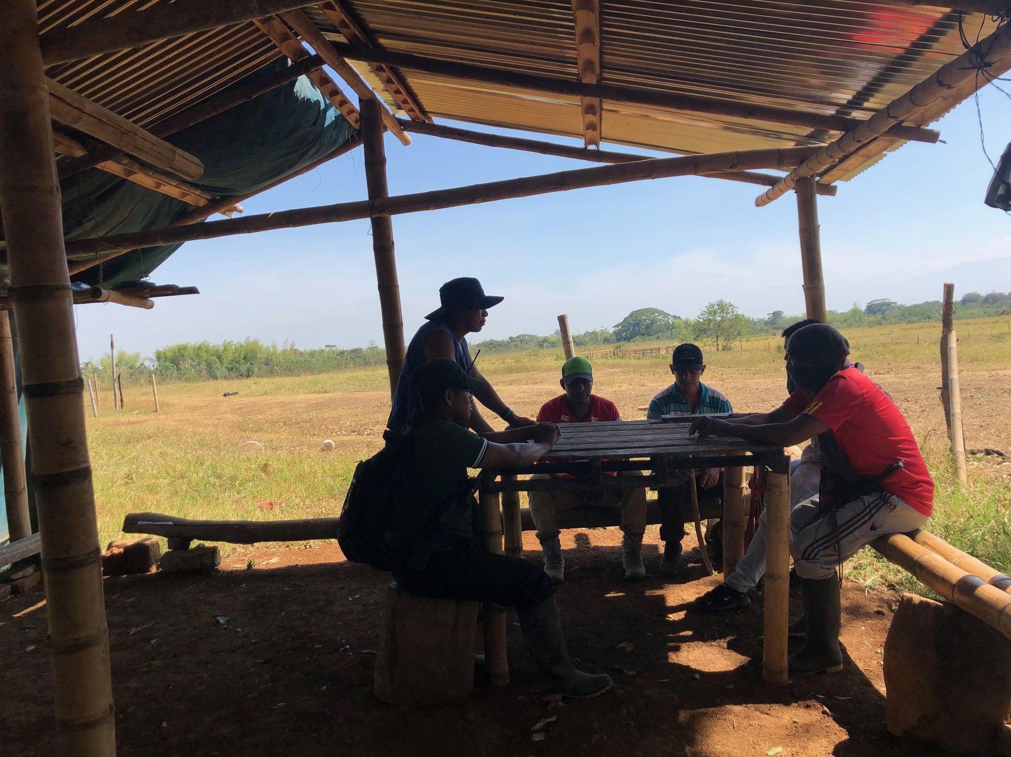 El grupo de activistas de la Guardia Indígena