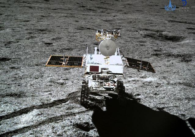 El vehículo lunar chino Yutu 2