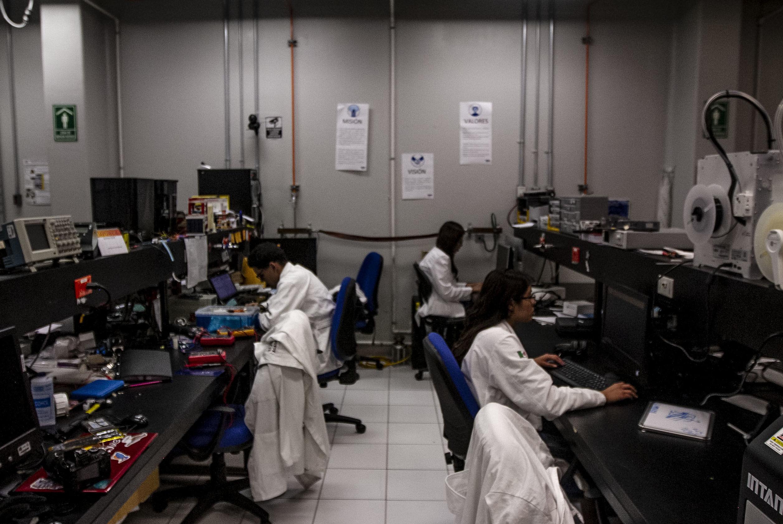 Laboratorio de detectores en el Instituto de Ciencias Nucleares de la UNAM