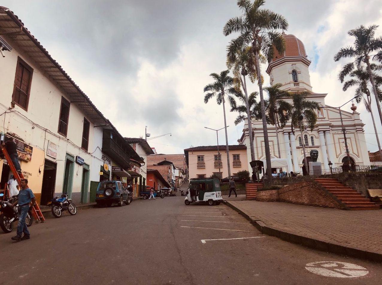 La plaza central de Ituango