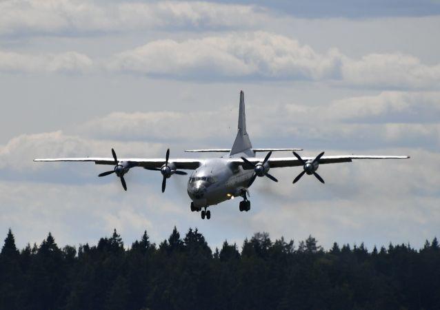Avión An-12