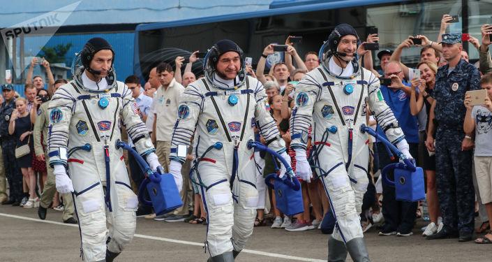 El astronauta estadounidense Andrew Morgan, el cosmonauta ruso Alexandr Skvortsov y el italiano Luca Parmitano