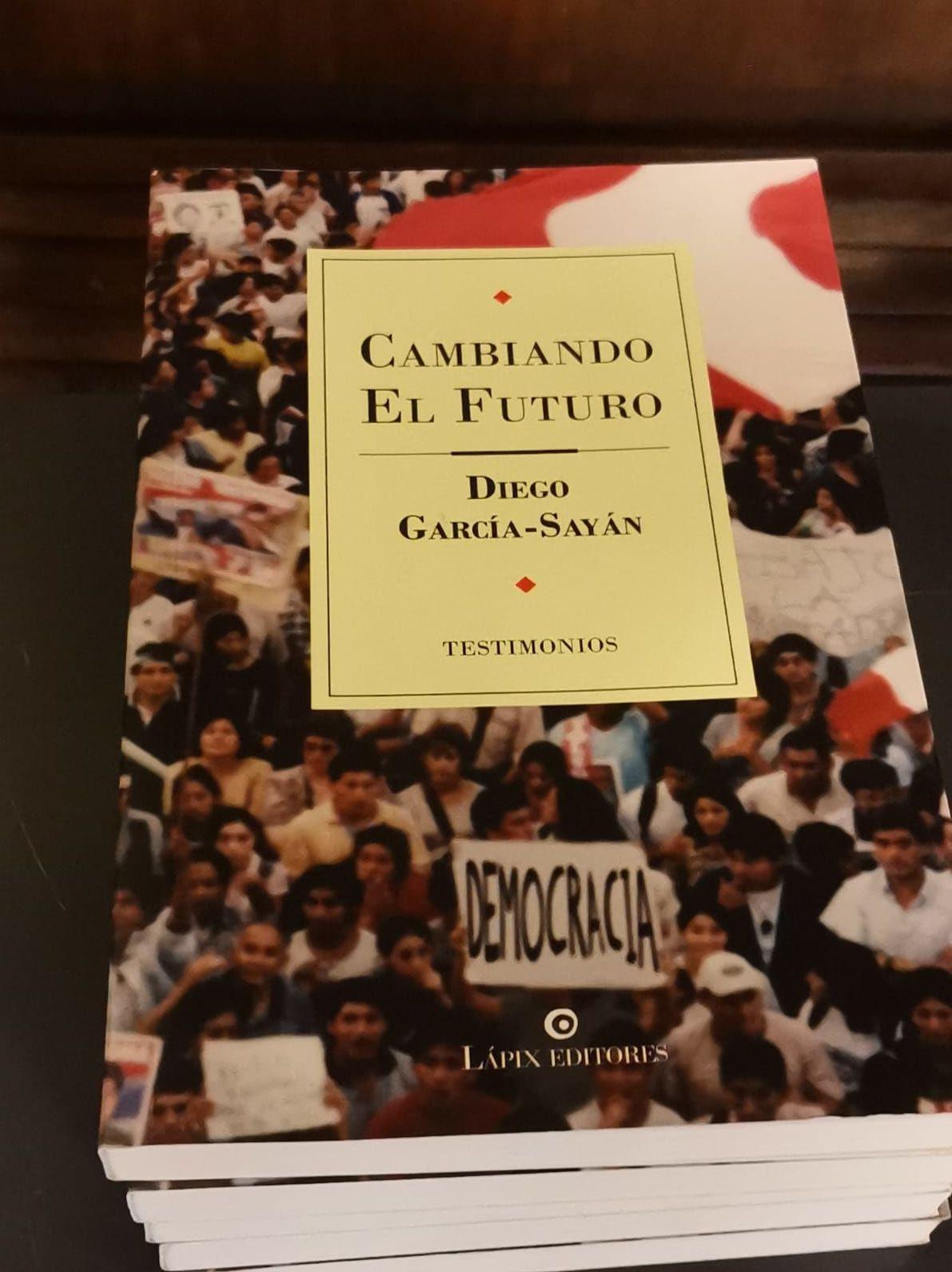 'Cambiando el Futuro' de Diego García Sayán en la 42 Feria del Libro de Uruguay