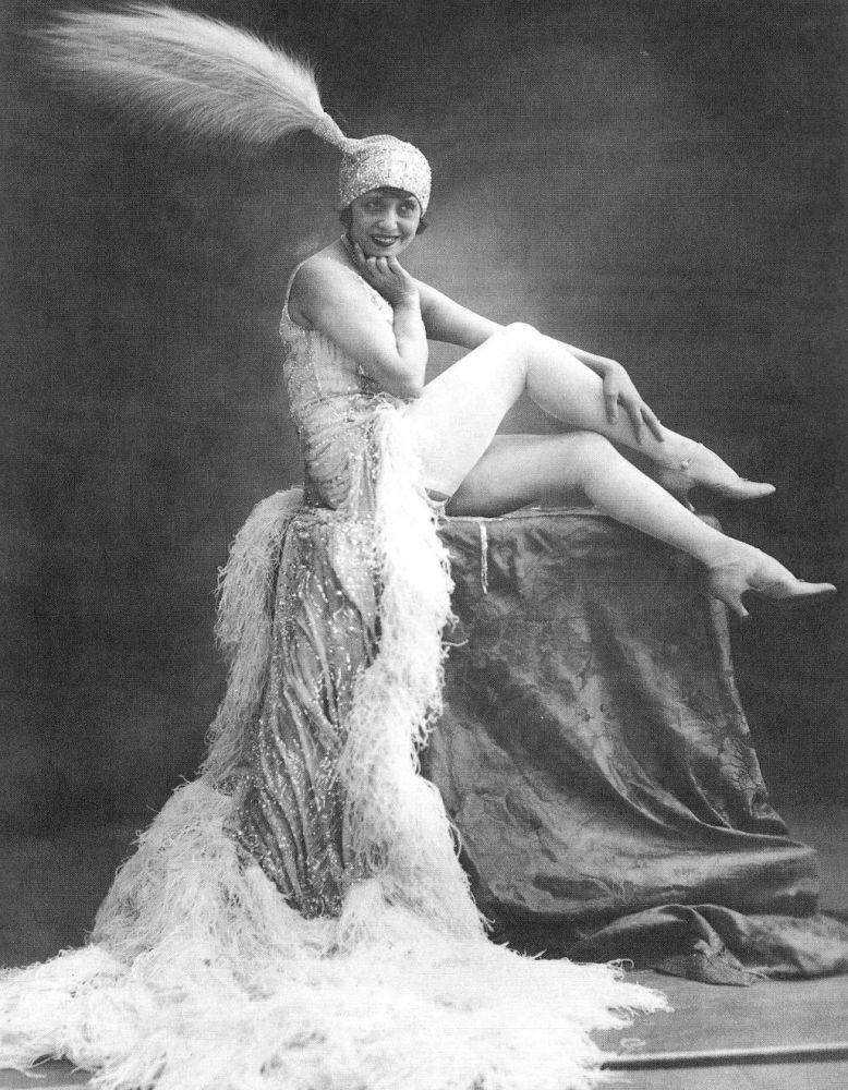 Mistinguett (1875-1956), French singer of variety. Paris, Moulin-Rouge.