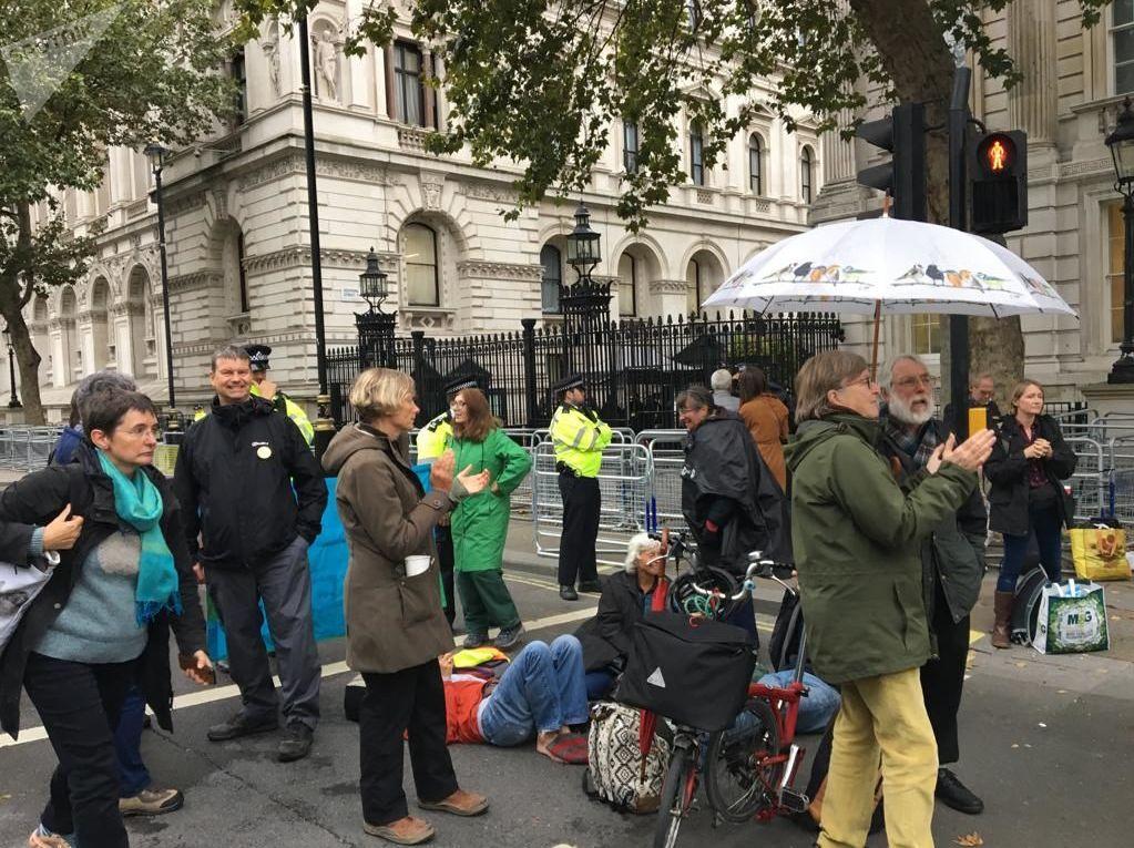 Más de 300 detenidos durante protestas de ecologistas en Londres
