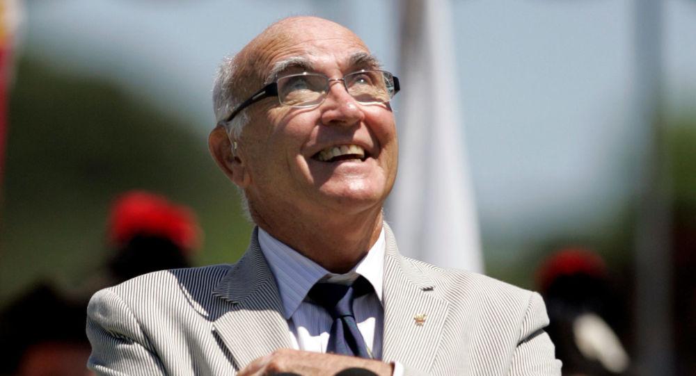 Andrés Gimeno, tenista español y miembro del Salón Internacional de la Fama del Tenis