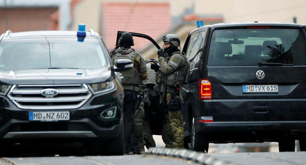 Agentes de la Policía en el lugar del tiroteo
