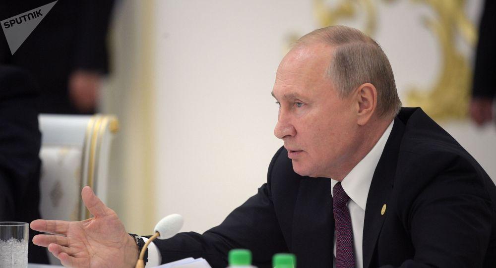 Putin insta a