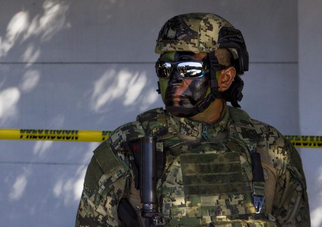 Un militar mexicano