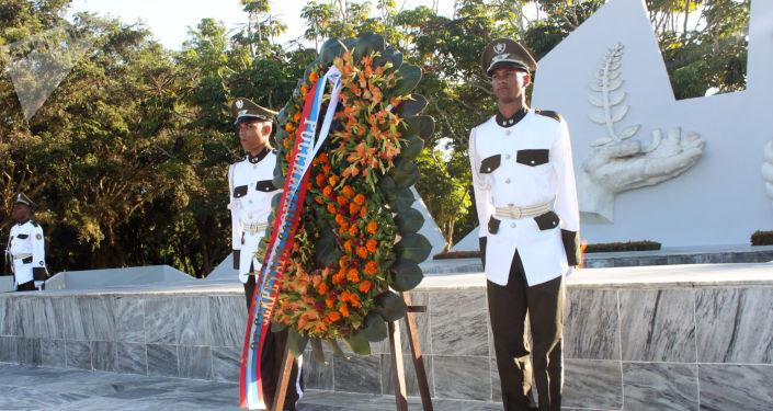 La ofrenda floral memorial al soldado internacionalista soviético en La Habana