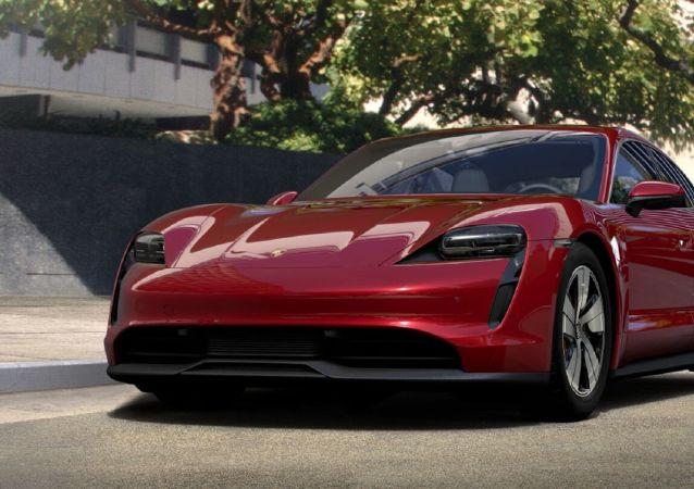 Un modelo del Taycan 4S desarrollado por el fabricante alemán Porsche