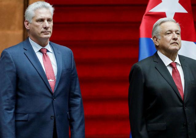 El presidente mexicano, Andrés Manuel López Obrador, junto a su homólogo cubano, Miguel Díaz-Canel