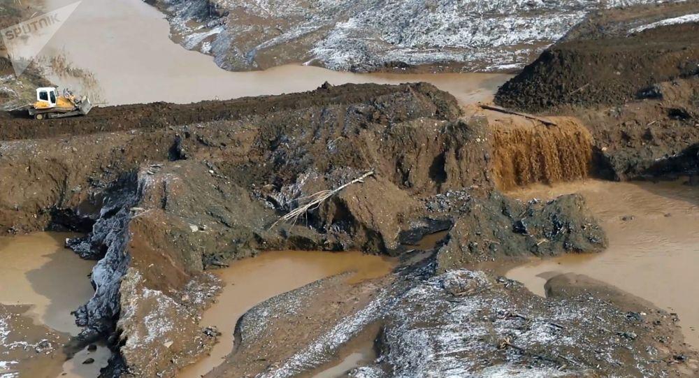 Rotura de una presa en Siberia