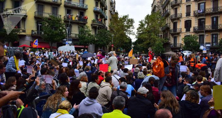 Sentada en Barcelona por la visita del presidente del Gobierno español en funciones, Pedro Sánchez