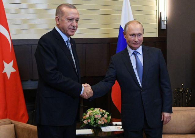 El presidente turco, Recep Tayyip Erdogan, y el presidente de Rusia, Vladímir Putin