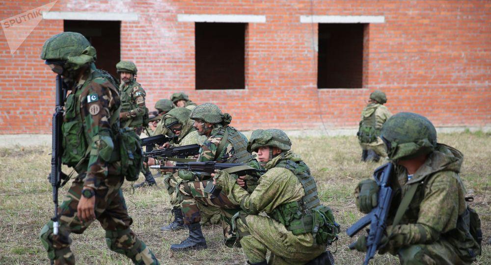 Ejercicios militares (imagen referencial)