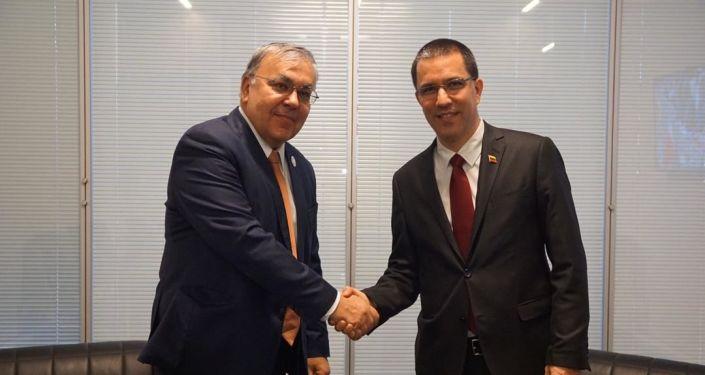 El vicecanciller de Rusia, Serguéi Vershinin, y el canciller de Venezuela, Jorge Arreaza