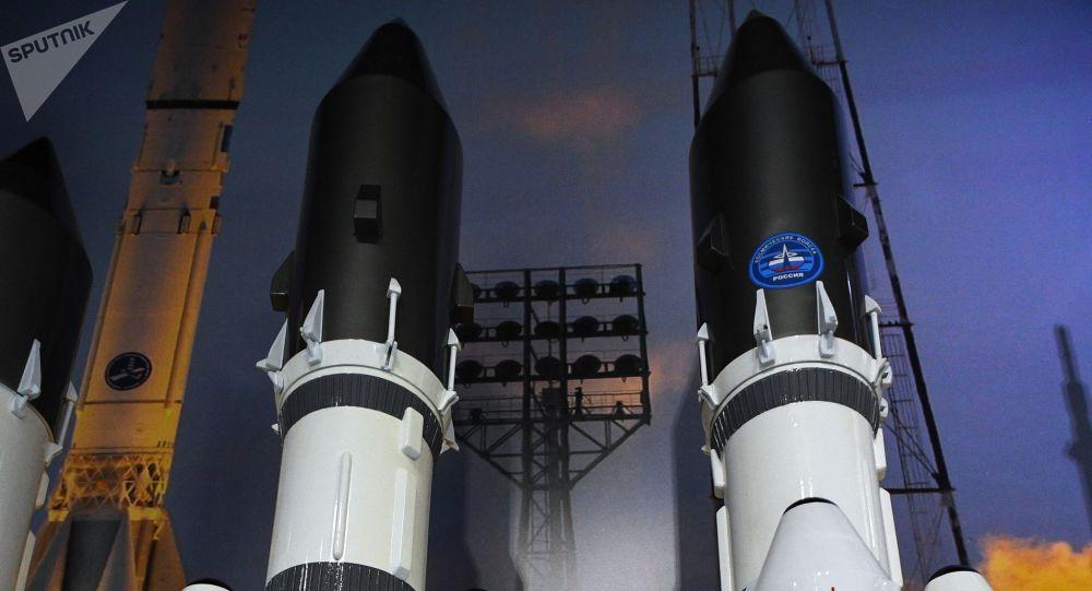Maquetas del cohete Angara A5
