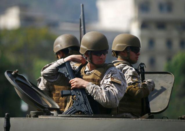 Militares chilenos en Santiago, Chile