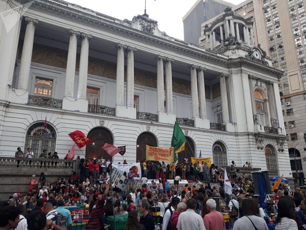 Manifestantes exigen en Rio de Janeiro saber quién mandó matar a la concejala Marielle Franco