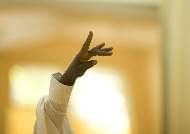 La mano de un afrodescendiente (imagen referencial)