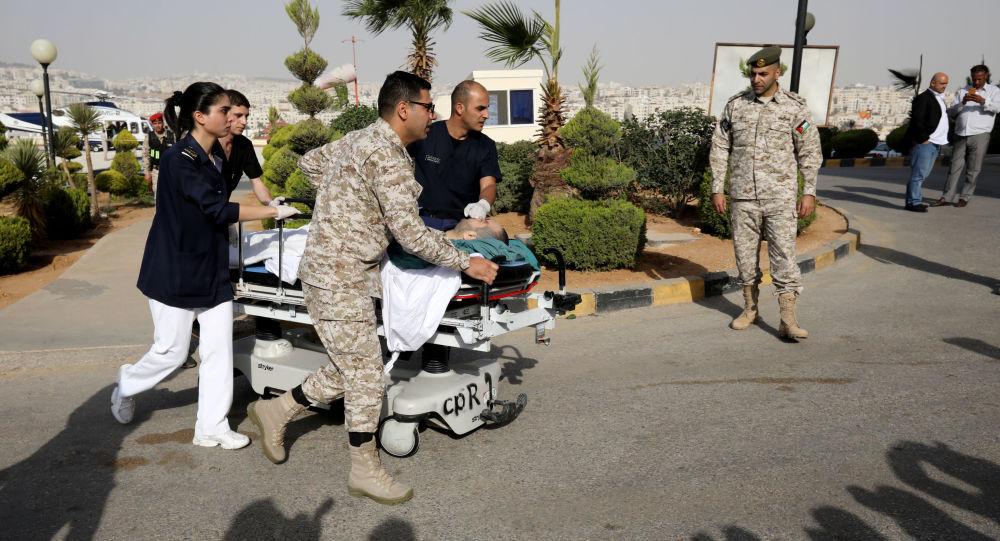 Llevan al hospital a uno de los turistas heridos en Jordania