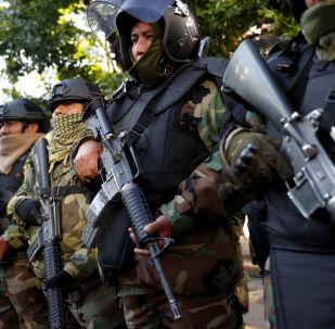 Efectivos de la Policía de Bolivia en una ceremonia tras la salida de Evo Morales