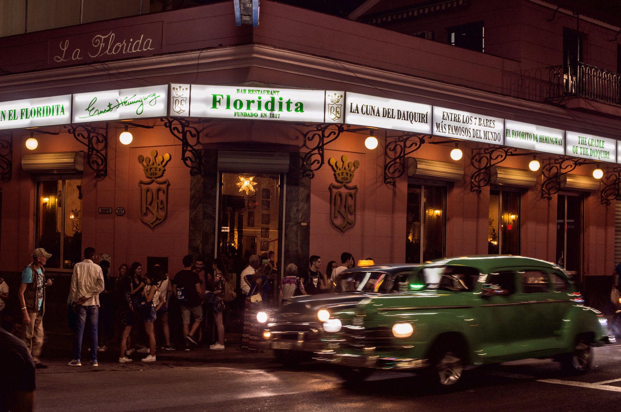 Exterior de 'El Floridita' en La Habana