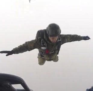 El espectacular campeonato de paracaidismo entre las Fuerzas Especiales de Rusia