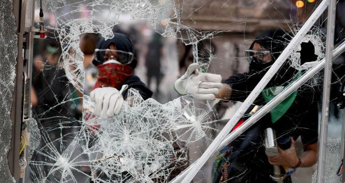 Protesta en Ciudad México por el Día Internacional de la Eliminación de la Violencia contra las Mujeres, el 25 de noviembre de 2019